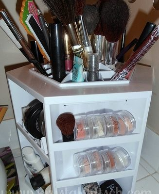 Use the Tabletop Spinning Cosmetic Organizer by Lori Greiner to Organize Your Makeup