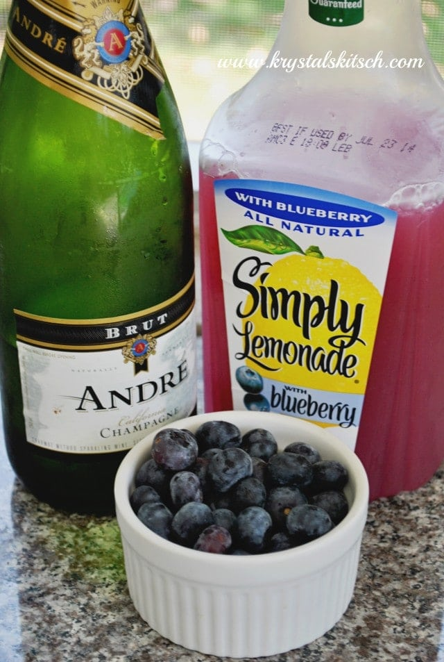 ... this spiked blueberry lemonade. A blueberry bubbly drink to remember