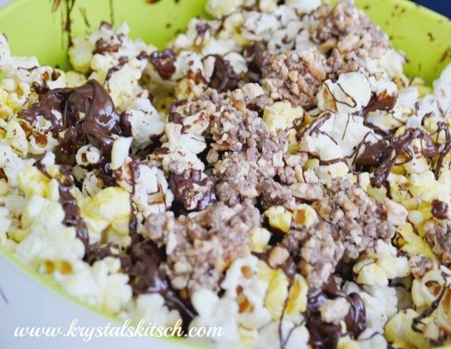 Snickers Peanut Butter Popcorn #Refuel2go