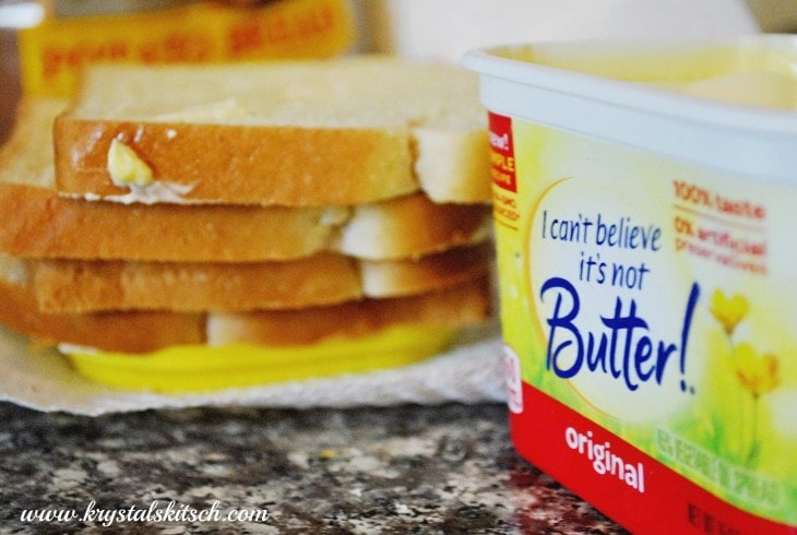 ... for an easy recipe to spice up your boring grilled cheese sandwiches