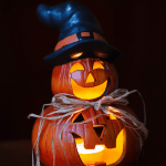 8 Insanely Frugal Halloween Decorations