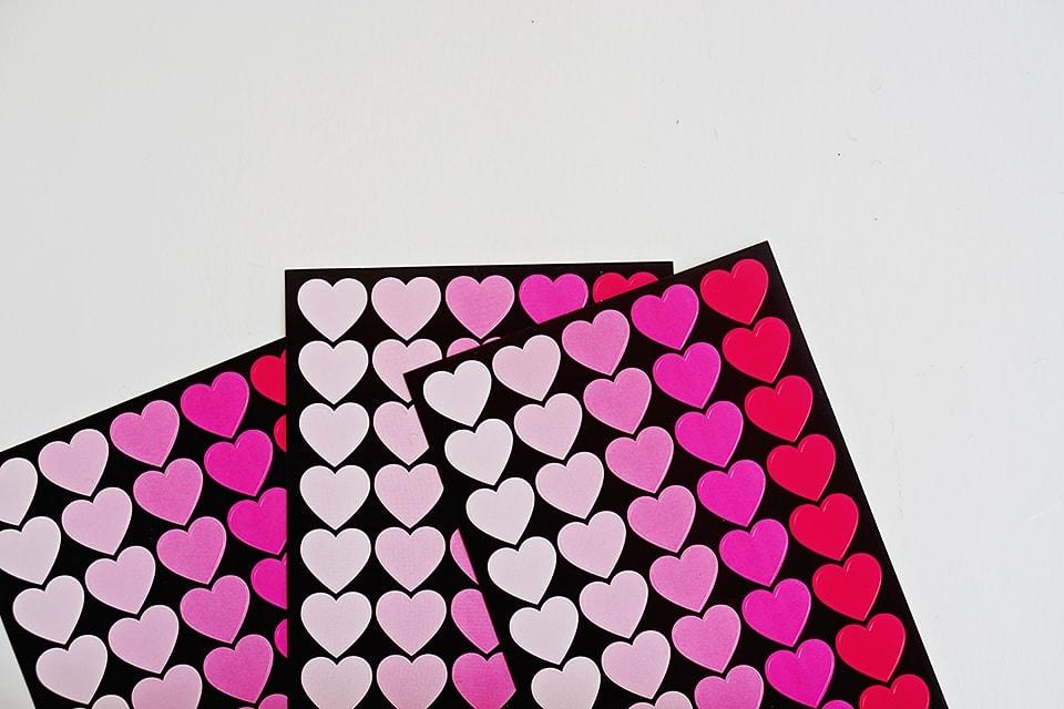 DIY Valentine's Day Chalkboard Art