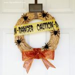 Creepy Crawly Halloween Wreath