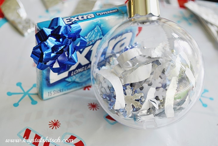 Use Extra gum to surprise someone special this holiday season. Make an Eye Spy ornament that little ones will love to make and look at!