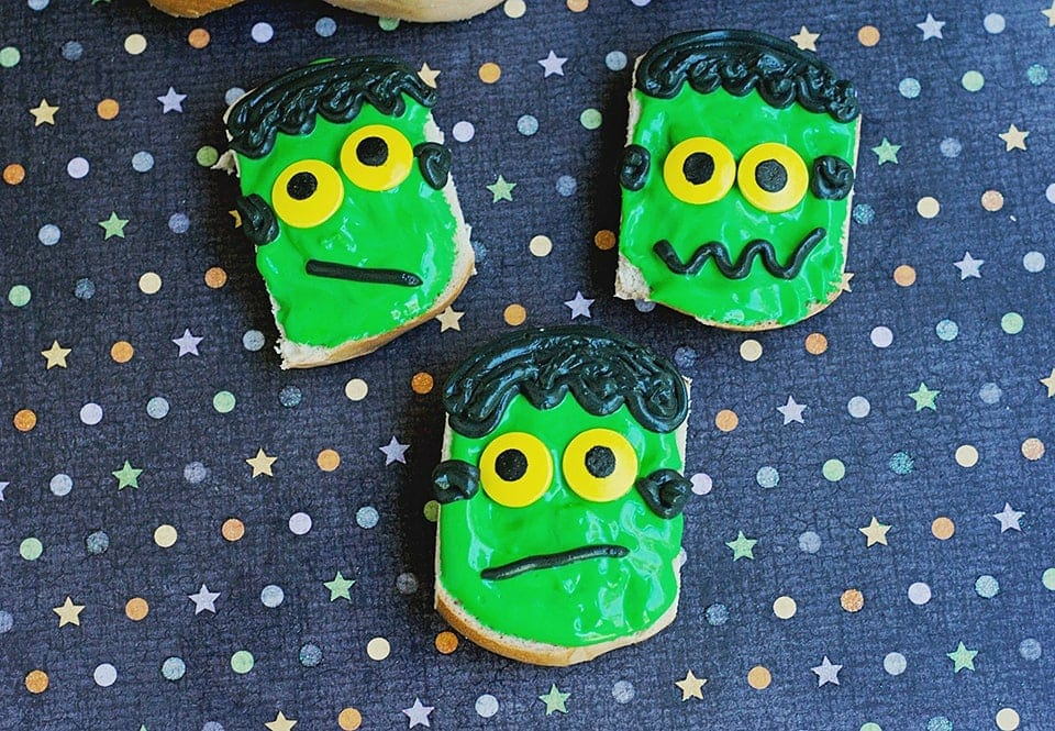 Halloween Breakfast: Frankenstein Mini Bagels