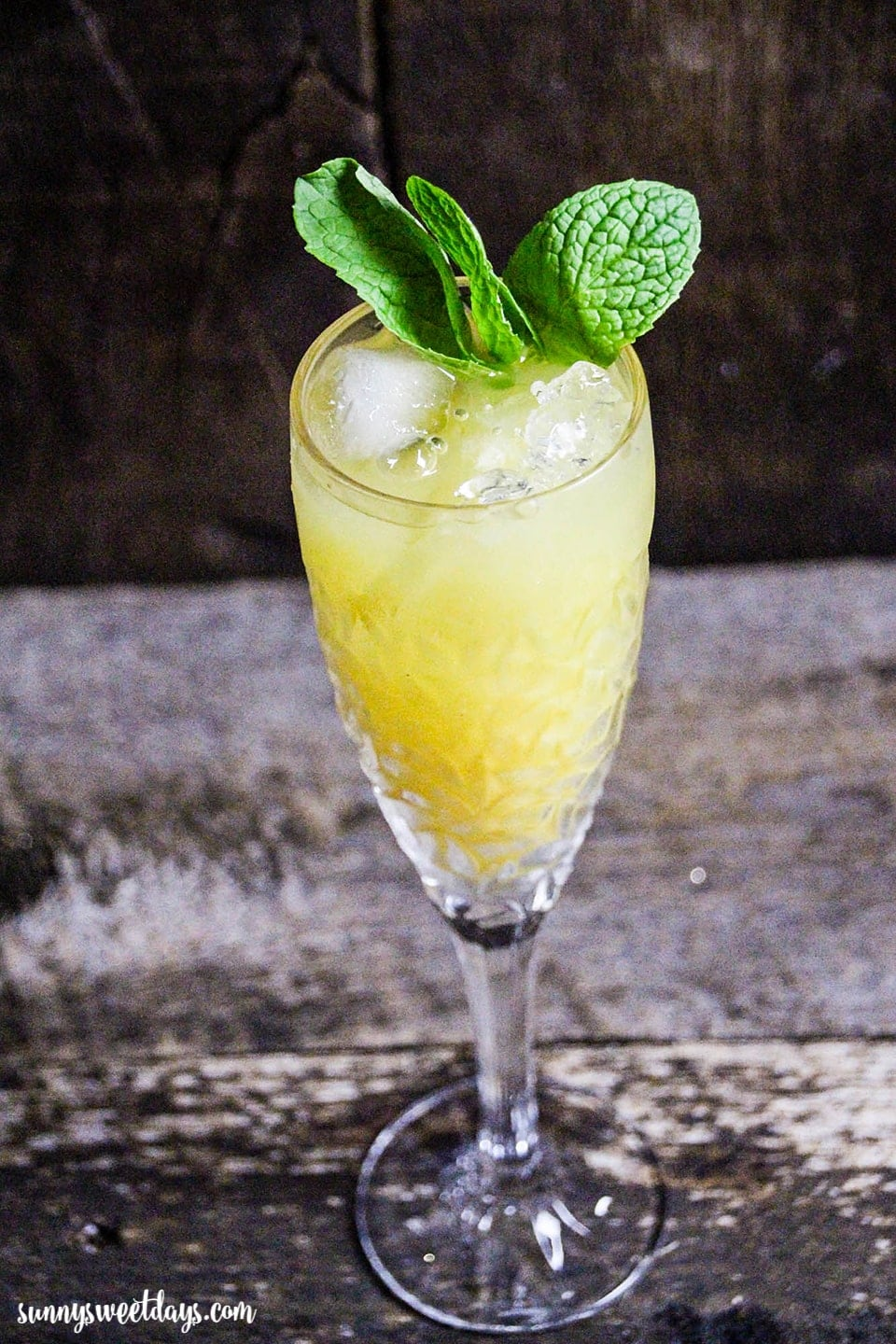 Mint Pinot Grigio Cocktail