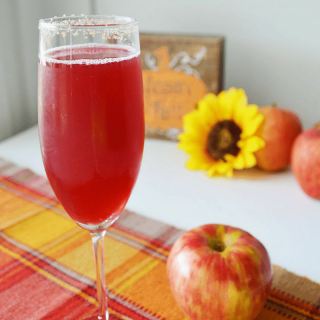 Cranberry Apple Mimosa | Mimosa for the Holidays