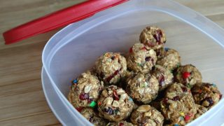 Peanut Butter Chocolate Cranberry Energy Balls
