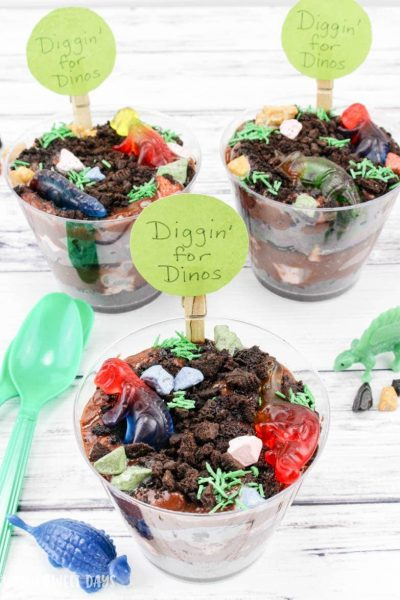 Digging for Dinos Treat Cups: Dinosaur Dessert Idea