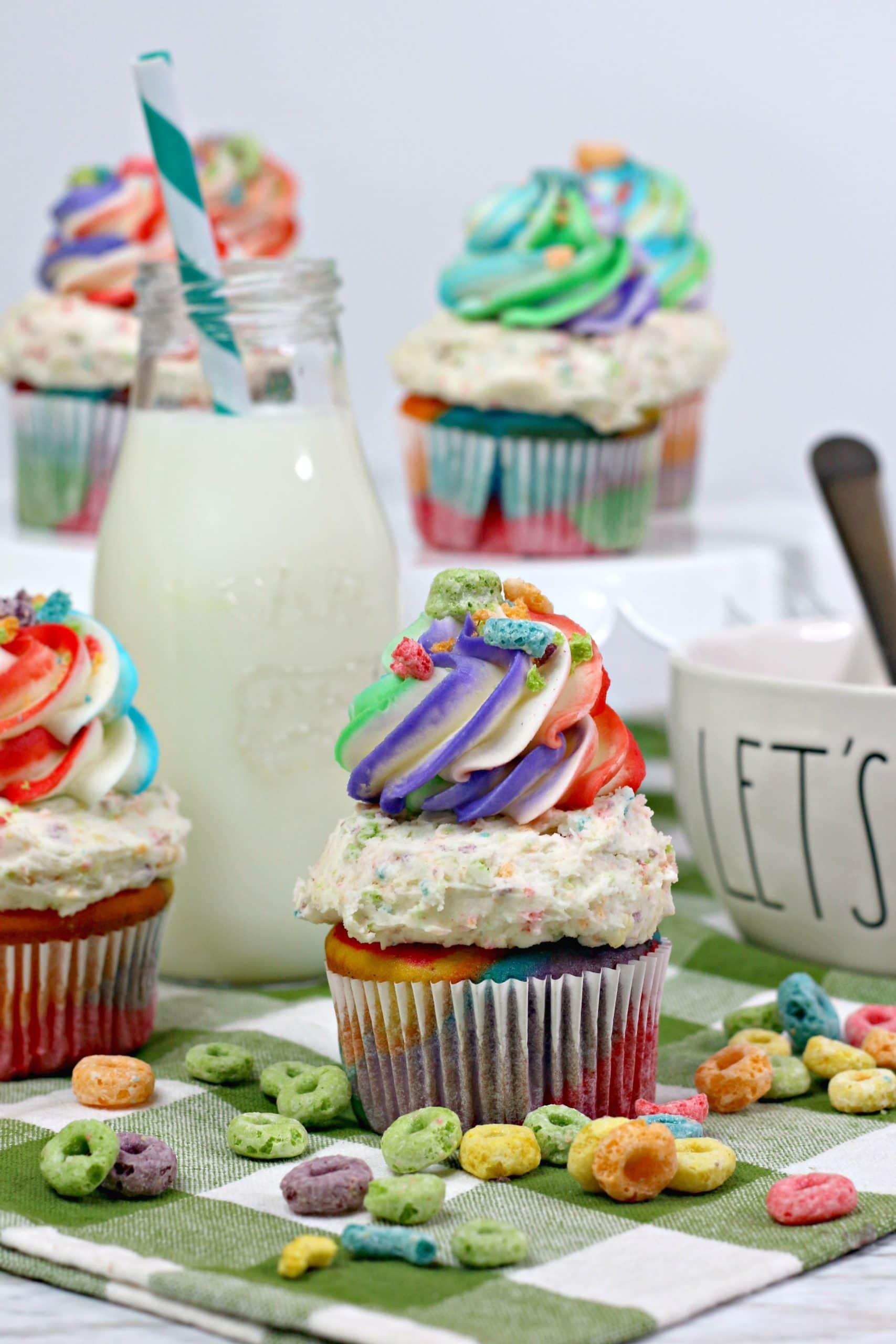 Fruit Loop Rainbow Cupcakes Recipe: How to Make Rainbow Frosting 🌈