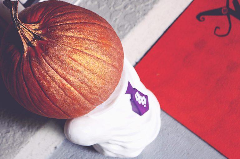 Front Porch Halloween Decor