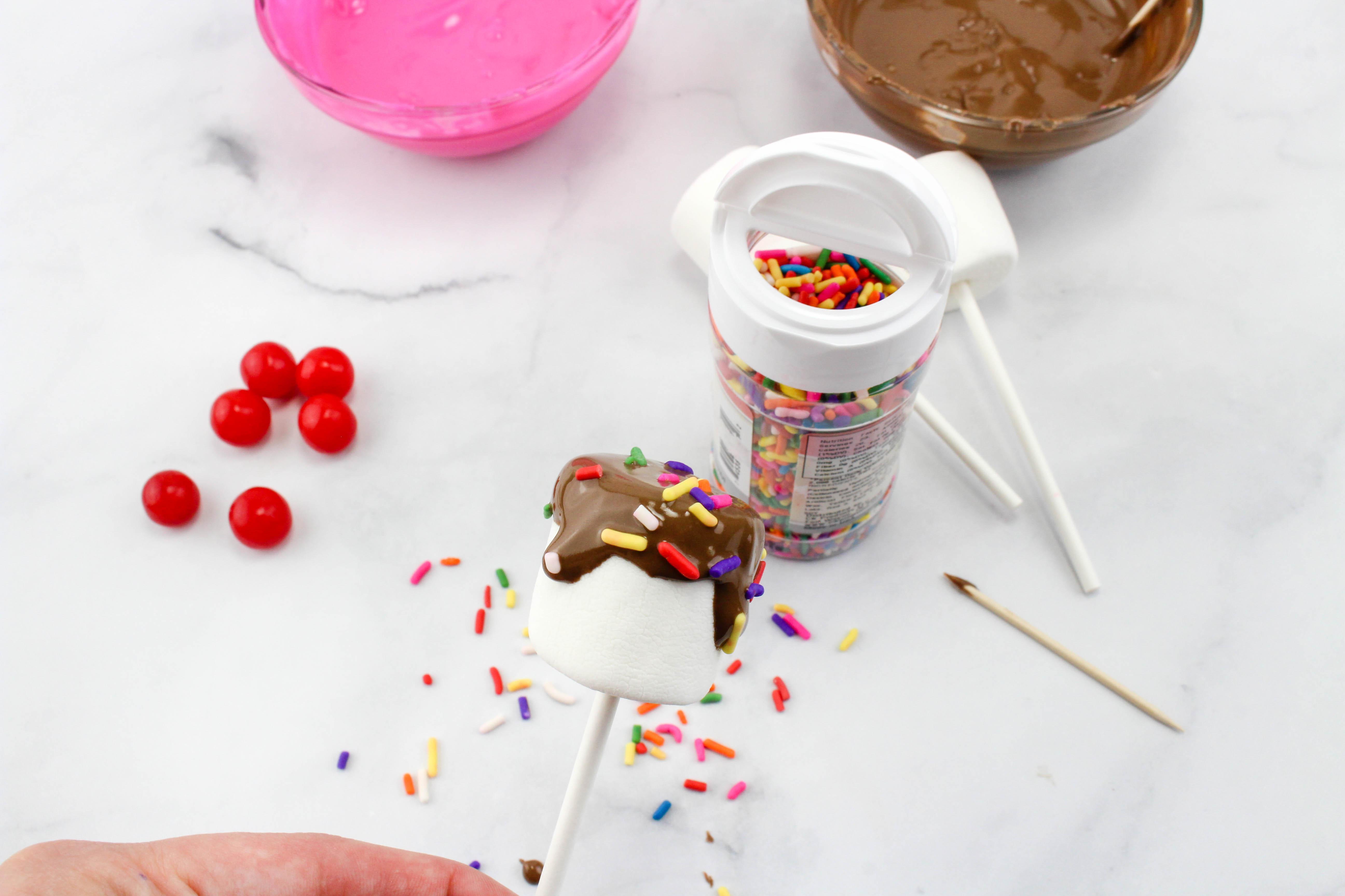 Sundae Marshmallow Pops