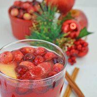 Cinnamon Apple Cranberry Mimosa