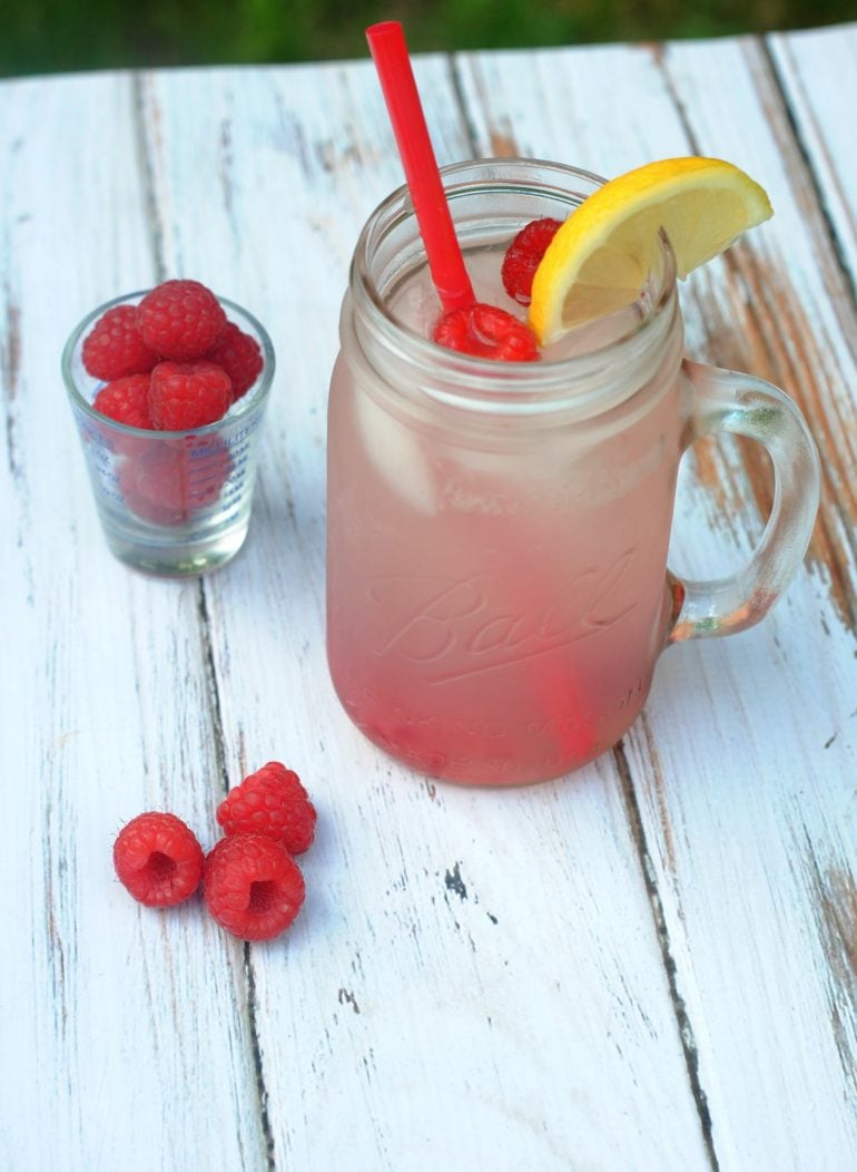 This image has an empty alt attribute; its file name is VodkaRaspberryLemonade1-770x1052.jpg