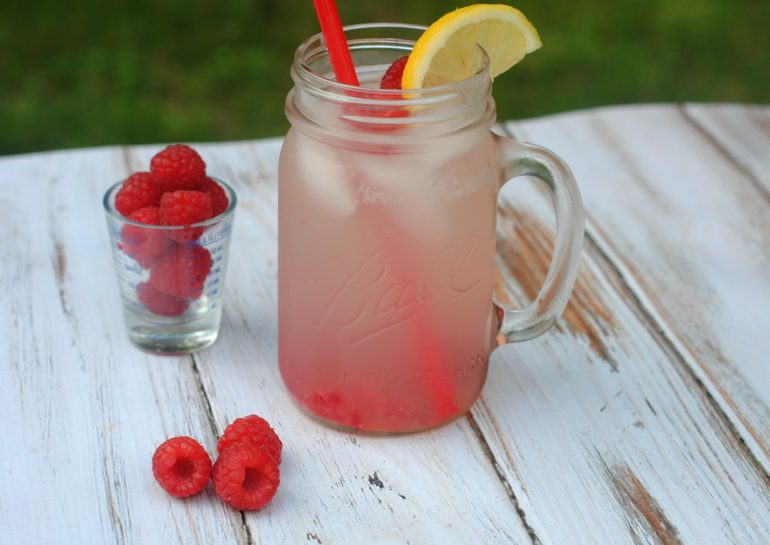 This image has an empty alt attribute; its file name is VodkaRaspberryLemonade2-770x545.jpg