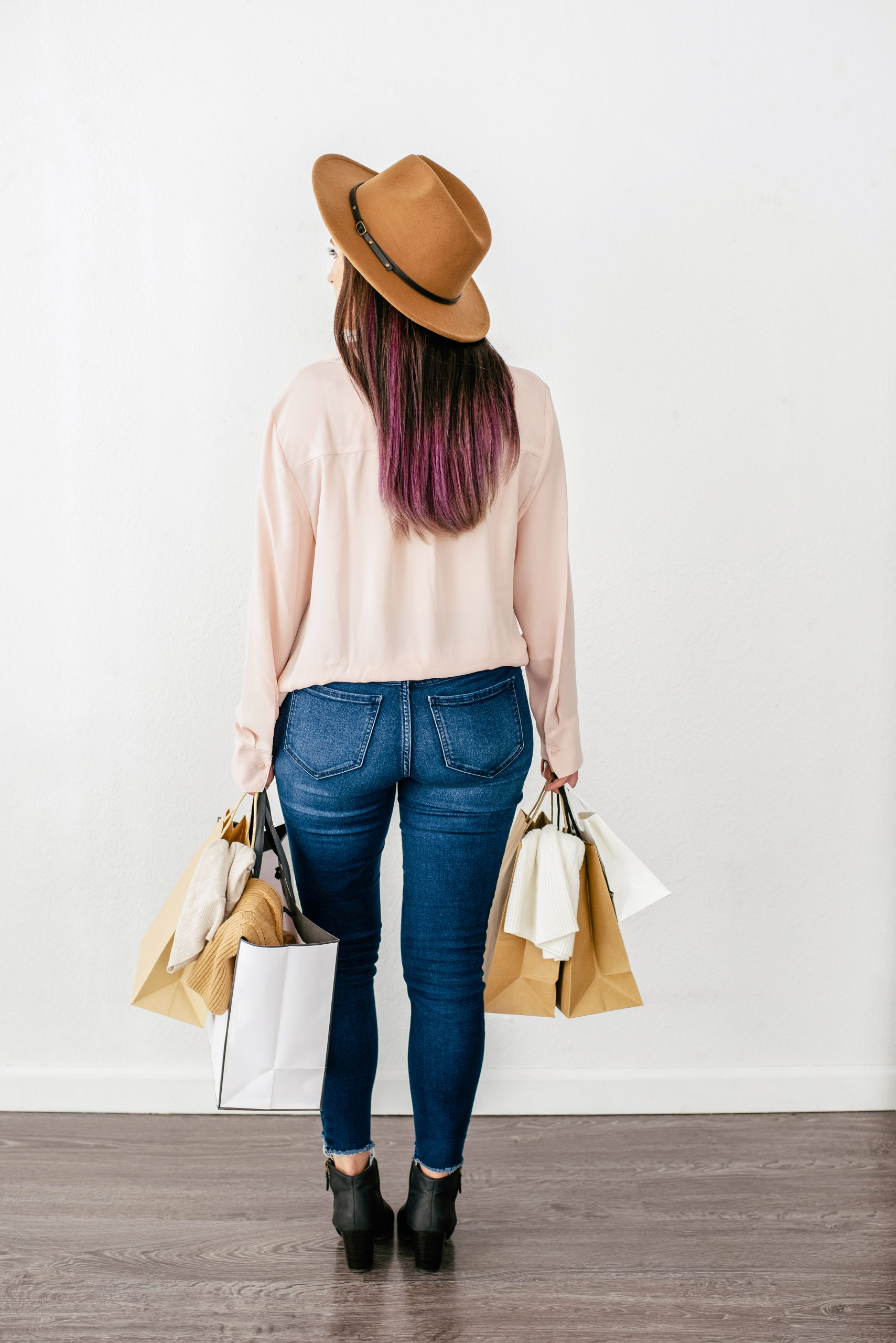 How To Properly Shop For Clothes And What You Should Look For
