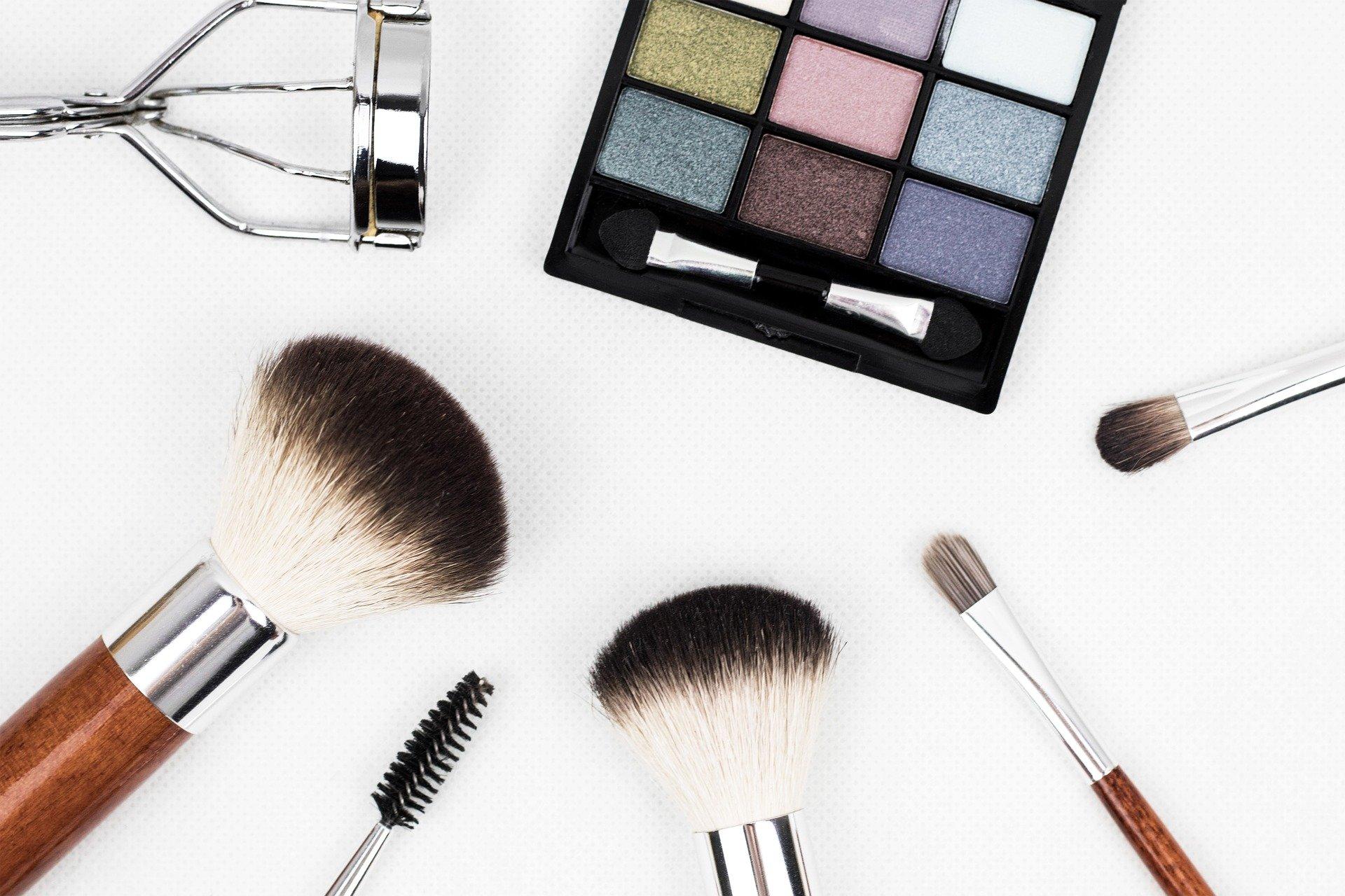 Preparing for Eyelash Extensions