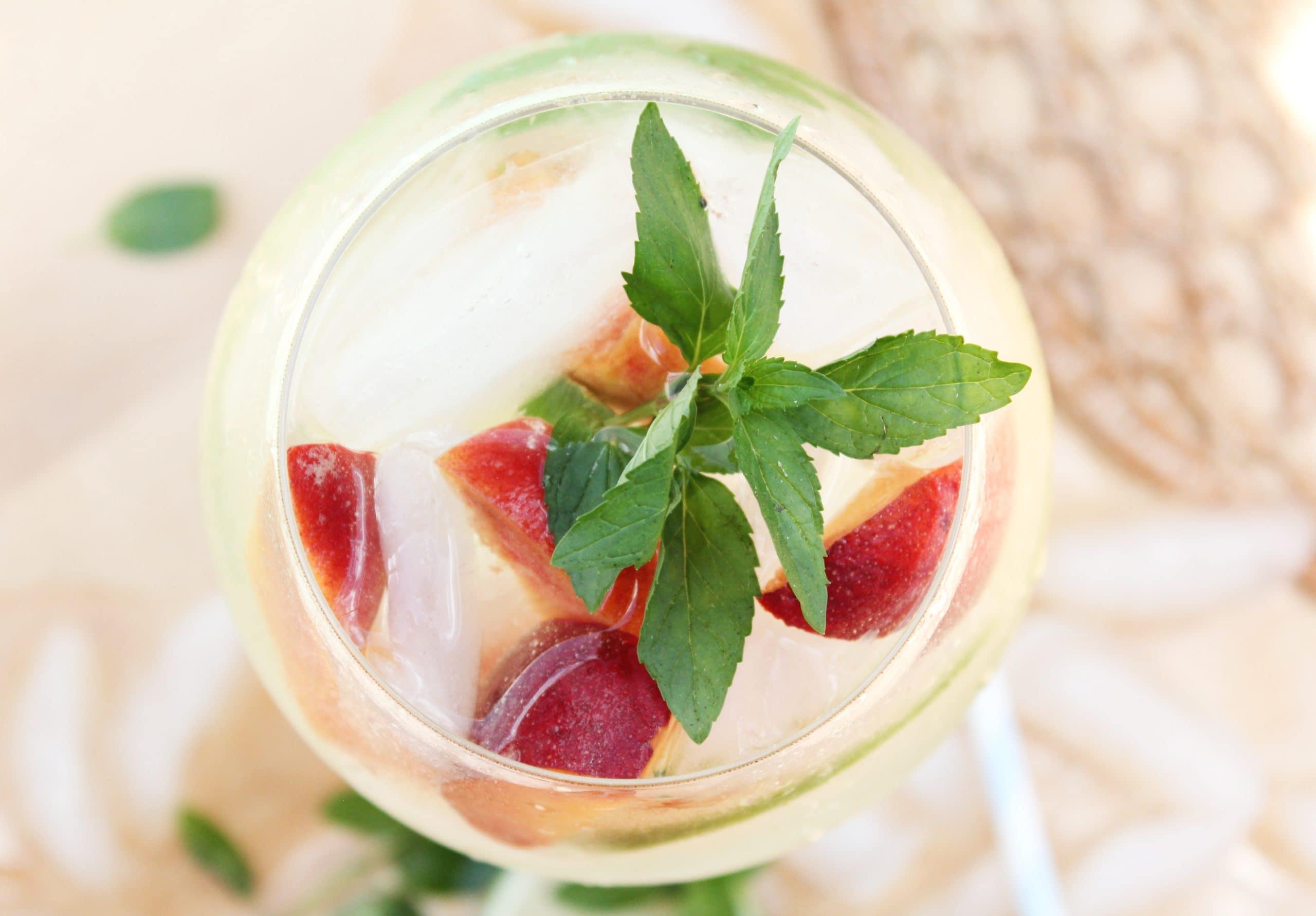 Peach Mojito Cocktail