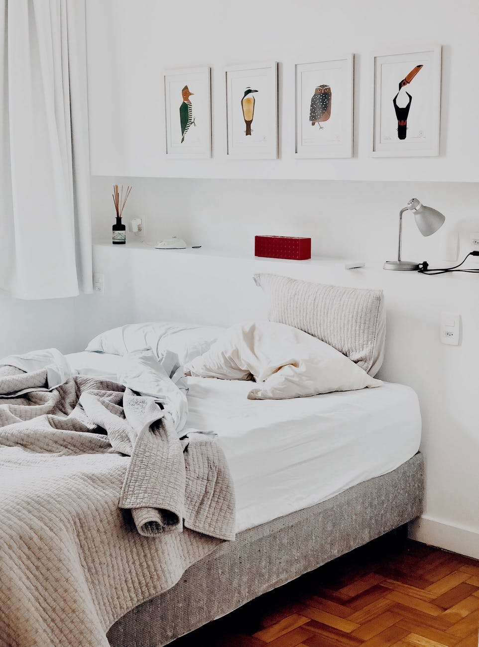 Having Trouble Falling Asleep? Here's How To Be More Comfortable In Bed