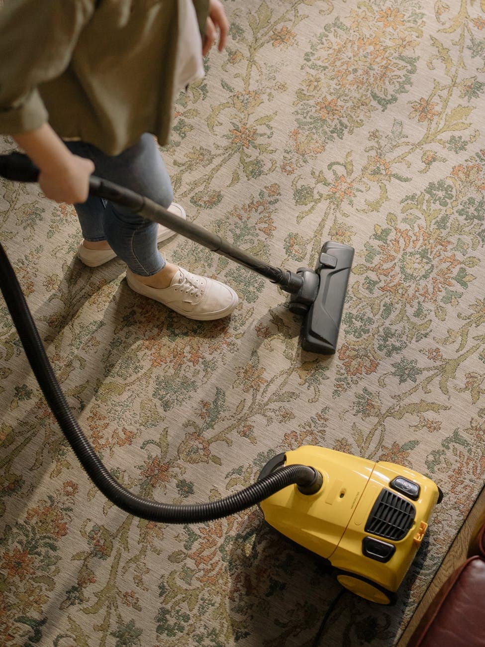 Carpet Care: How to Effectively Clean and Remove Carpet Stains in Your Carpet