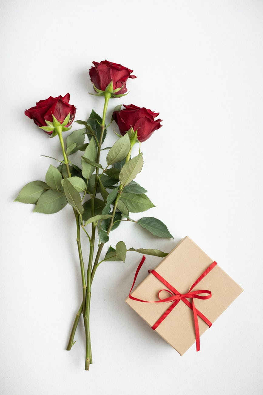 Romantic Anniversary at Home – Decoration Ideas