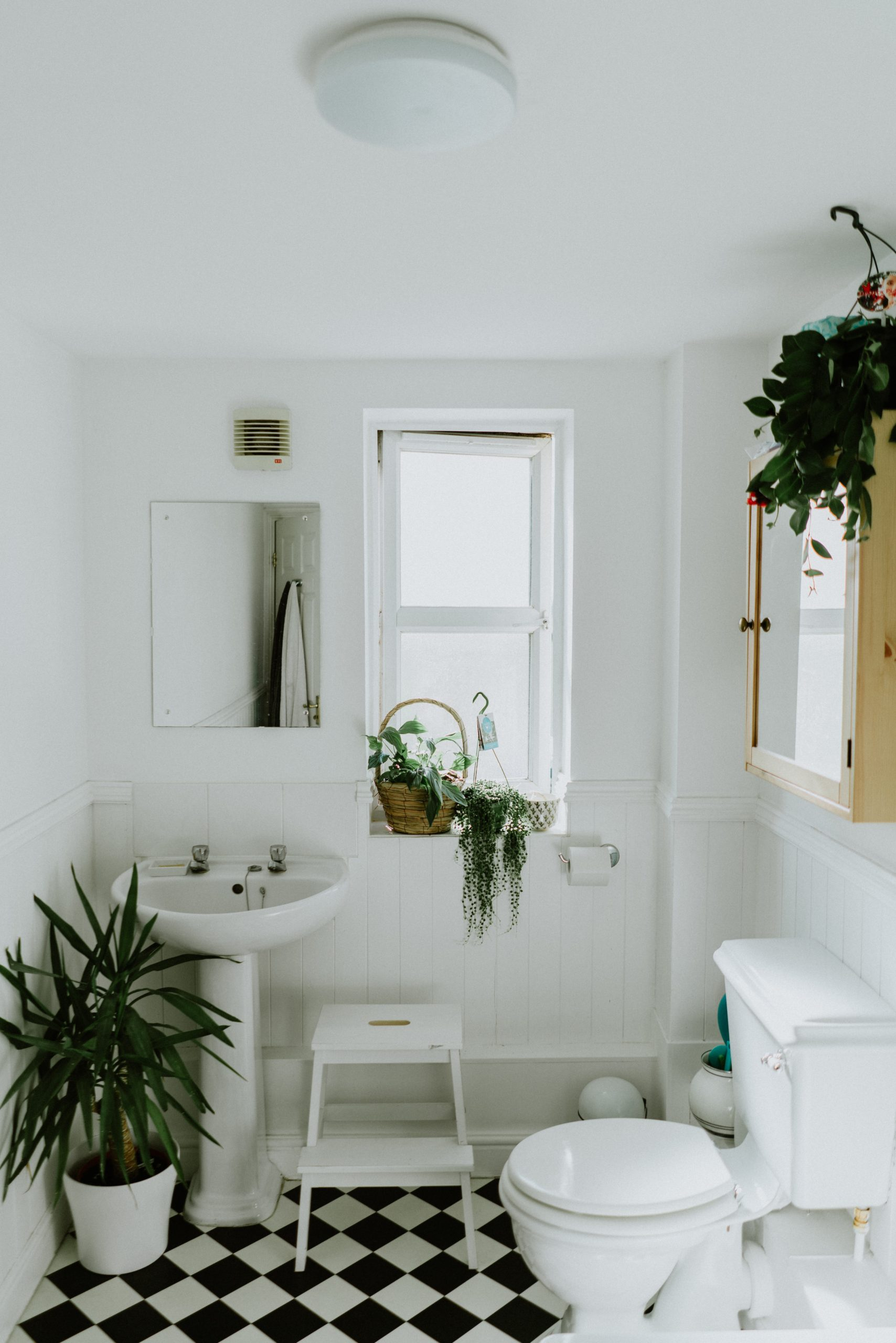 Ways To Keep Your Bathroom Looking Timeless