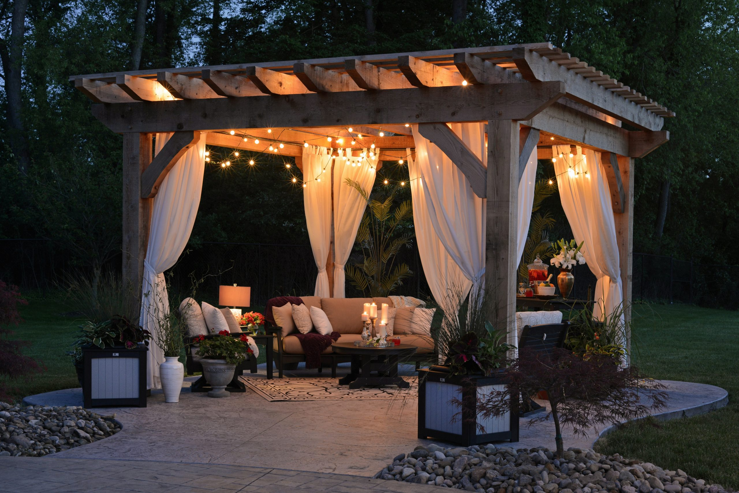 4 Amazing Items That Will Enhance Your Backyard